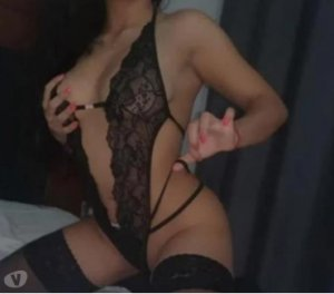 Thessy escort soumission Le Puy-en-Velay